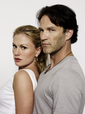 http://www.givememyremote.com/remote/wp-content/uploads/2009/08/anna-paquin-stephen-moyer-engaged.jpg