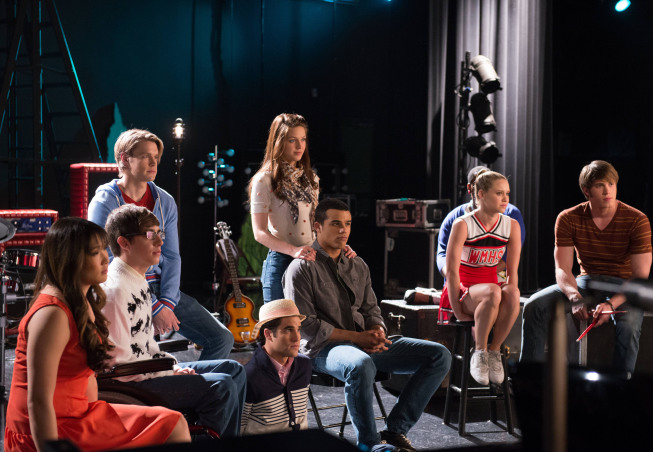 GLEE: 'Lights Out'