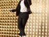 """Blaine (Darren Criss) channels his inner MJ during \""""Wanna Be Startin\' Something\"""""""