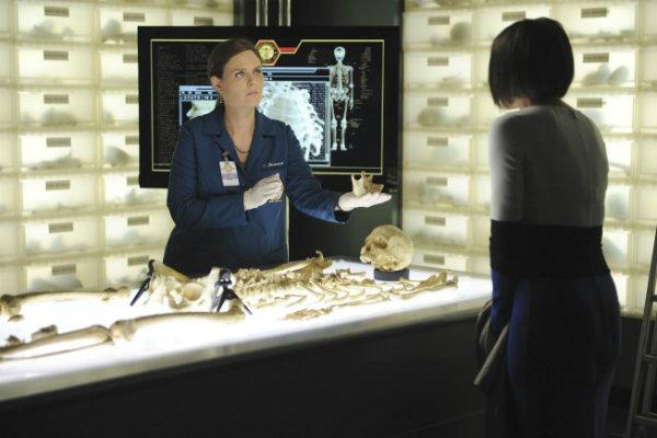 Emily Deschanel (Brennan, BONES)