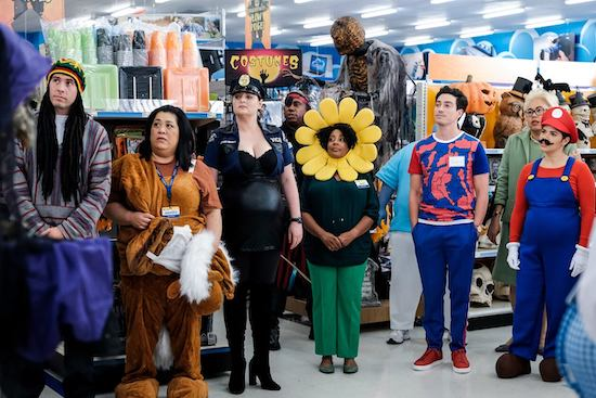 """Costume Competition"" (Season 4, Episode 4)"